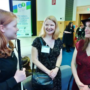 Student Chelsea meeting Author Frances Hardinge
