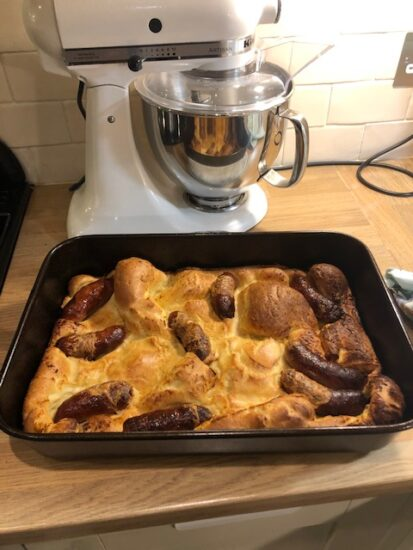 Amelie bakes Toad in the Hole